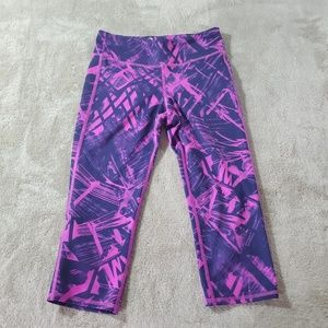 Old Navy Active Neo Print Capri Workout Leggings